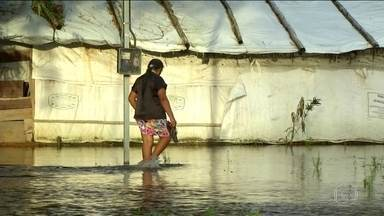 Chuvas acima da média isolam aldeias indígenas no Tocantins - Enchente obrigou índios kraho a deixarem aldeia em Lagoa da Confusão. Mil alunos ficaram sem aulas e estradas tiveram trechos interditados.