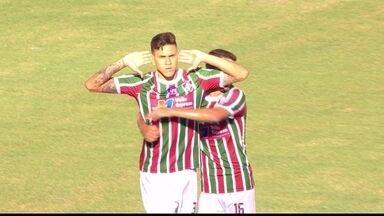Gol do Fluminense! Ayrton deixa Pedro na boa para abrir o placar, aos 12 do 1º - Gol do Fluminense! Ayrton deixa Pedro na boa para abrir o placar, aos 12 do 1º