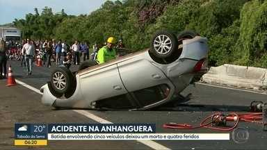 Uma pessoa morre e quatro ficam feridas em acidente na Rodovia Anhanguera - Caminhão e quatro carros bateram em Ribeirão Preto.