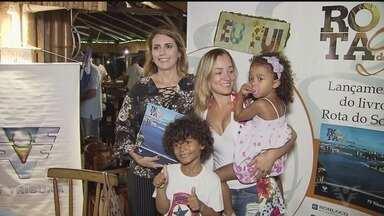 Segundo livro do Rota do Sol teve lançamento em Guarujá - Fãs do programa foram prestigiar a jornalista Rosana Valle.