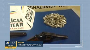 Adolescente é apreendido com 500 pedras de crack em Betim - Segundo a polícia, ele tem envolvimento com o tráfico de drogas.