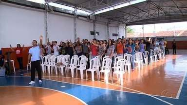 Famílias participam de retiro de Páscoa em Arapiraca - Momento é de reflexão do significado da morte de Jesus.