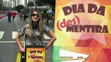 Nas ruas, pessoas confessam mentiras que já contaram na vida - Fantástico pôs um microfone no meio da Avenida Paulista pras pessoas revelarem aquelas mentirinhas que todo mundo conta.