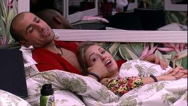 Jéssica comenta com Viegas: 'Não sei se ia ter dar a imunidade' - Brothers conversam no quarto