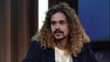 Geovani Martins fala sobre o conto 'Espiral' - Sérgio Rodrigues elege o conto como o melhor do livro 'O Sol na Cabeça'