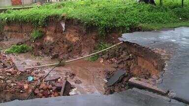 Moradores reclamam de buracos no Bairro Salesianos em Juazeiro do Norte - Saiba mais em g1.com.br/ce