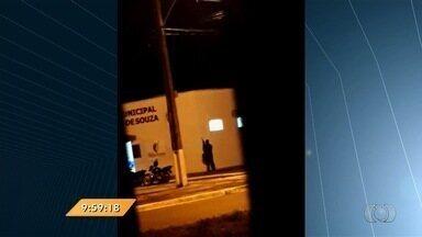 Anhanguera Notícias: Criminosos explodem caixa eletrônico em Abadia de Goiás - Segundo a Polícia Militar, nada foi levado do equipamento. Vídeo mostra ação.