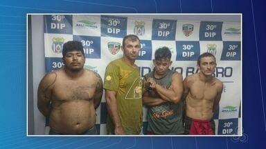Grupo faz reféns em sítio no AM e foge com porcos, carro e eletrônicos - Quatro suspeitos foram presos. Casal e criança foram rendidos pelos criminosos.