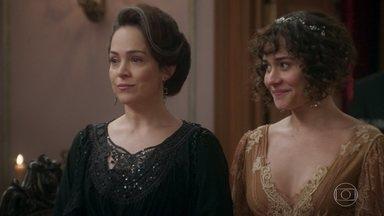 Julieta se surpreende com a chegada da família Benedito em peso - Camilo apresenta Jane para sua mãe. Susana comemora o sucesso de seu plano ao ver Julieta incomodada com os modos da família de Ofélia