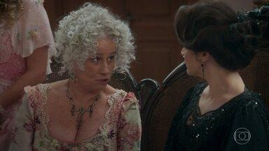 Ofélia comete gafes no jantar com Julieta e Susana comemora - Julieta se incomoda com os comentários de Ofélia. Petúlia descobre sobre o amor de Ernesto por Elisabeta e revela à patroa
