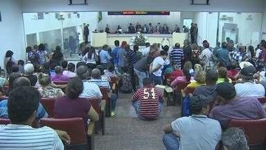 Servidores da educação estadual encerram greve - Foram 45 dias de paralisação