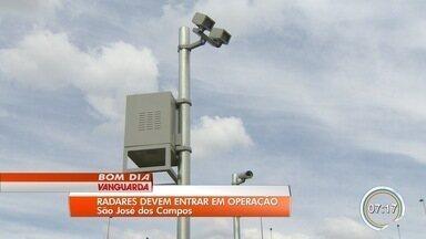 Justiça concede liminar para empresa obter autorização para operar radares em São José - Os equipamentos instalados estavam impedidos de funcionar porque não atendem as regras da nova portaria do Inmetro, que começou a valer em fevereiro. A cidade está sem fiscalização por radar fixo desde julho de 2017.