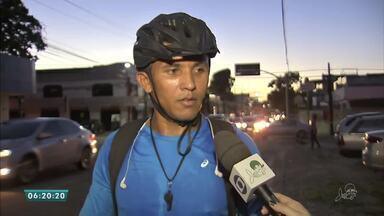 Ciclistas devem prestar atenção às leis de trânsito - Saiba mais em g1.com.br/ce