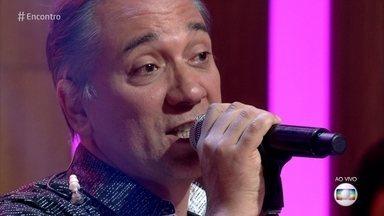 Biquíni Cavadão canta 'Soltos pelo Ar' - Banda segue em turnê de shows pelo Brasil até o final do ano