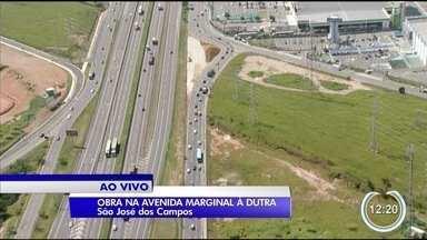 Marginal da Dutra passa por obras em São José - Obra é para corrigir curva.