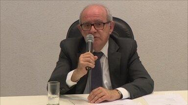 Ubaldo Balthazar vence segundo turno de consulta pública para reitor da UFSC - Ubaldo Balthazar vence segundo turno de consulta pública para reitor da UFSC