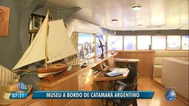 Museu a bordo: catamarã argentino desembarca no porto de Salvador - A visitação é gratuita; conheça os detalhes sobre a embarcação.