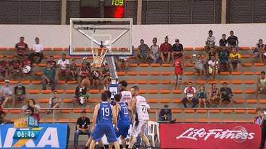 Em jogo disputado, time de basquete do Vitória perde para o Minas no NBB - Jogo aconteceu na quinta-feira (12) no Ginásio de Cajazeiras. Ao final da partida, os torcedores aplaudiram o rubro-negro.
