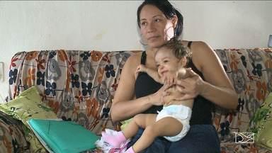 Família vive drama por busca de leito a bebê - Mesmo recorrendo à Justiça, a família trava uma luta contra o tempo para ter o direito a atendimento de urgência necessário a um bebê de 10 meses.