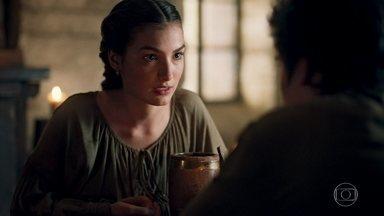 Selena confessa a Ulisses que não sabe como ajudar Agnes - Ulisses se sensibiliza com a história que Selena conta