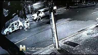 O Rio de Janeiro registrou o maior número de roubos de carro da história no mês de março - Em março foram mais de 5 mil roubos. Hoje de manhã, houve confronto entre policiais e bandidos