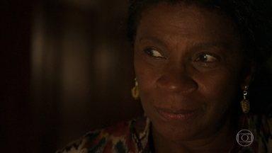 A Grande Mãe do quilombo cuida de Mariano - Ela garante que o rapaz irá se recuperar