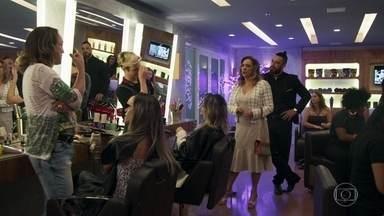 Nádia dispensa a companhia de Odair no casamento de Melissa e Diego - Ela torce para que união do filho com Melissa dê certo