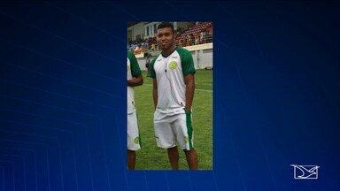 Enterrados os corpos de homens mortos em acidente na BR-316 no Maranhão - Entre as vítimas que morreram estava dois jogadores de futebol.
