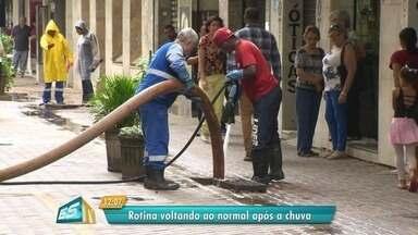 Chuva causa estragos em bairros de Vitória - Veja situações de ruas e casas.