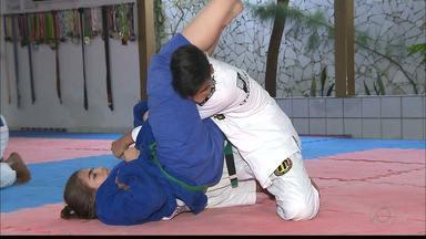 Apaixonada por artes marciais, paraibana se divide entre judô e jiu-jitsu - Maria Eduarda tem 14 anos e se dedica à pratica das duas modalidades