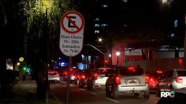 Prefeitura de Curitiba guinchou 328 carros nos últimos 30 dias - Do total, 51 foram retirados porque estavam abandonados.