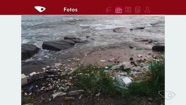 Imagens mostram lixo jogado no mar após ressaca em Vitória - Essa sujeira toda foi vista na Ilha do Boi.