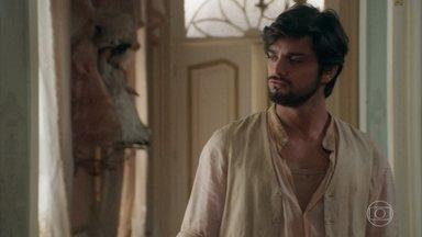 Ernesto bisbilhota o quarto de Ema - O italiano se irrita ao ver o mapa de casais feito pela neta do Barão