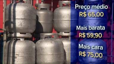 Consumidores podem economizar até R$15 pesquisando preços de gás de cozinha em Curitiba - Nos últimos meses, o preço desse produto tão essencial no dia a dia está variando bastante.
