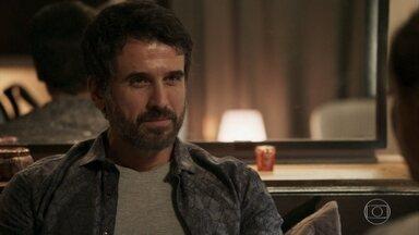 Samuel diz que resolverá a situação de Suzy - Enfermeira questiona o psiquiatra sobre o futuro dos dois