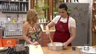 Iara Rodrigues ensina como fazer biscoito de polvilho frito - Confira as dicas para fazer a receita
