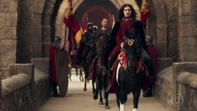 Rodolfo e seus homens partem para Lastrilha - Lucíola conta a Catarina que o Rei deixou o castelo ao lado do Capitão Romero