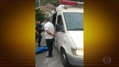 PMs suspeitos de facilitar transporte de drogas para fora da Rocinha prestam depoimento - Oito policiais militares da UPP da Rocinha, no Rio, foram ouvidos pela corregedoria na madrugada desta segunda-feira (23).