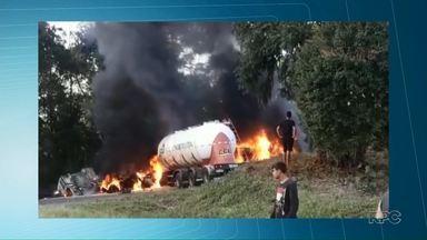 Caminhões batem de frente na PR-476 - Acidente foi na região sul do Estado; pelo menos uma pessoa morreu