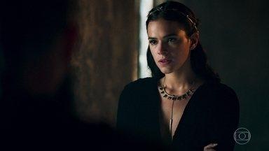 Catarina se irrita com Delano por causa de plano fracassado - A Rainha conclui que Virgílio está com Amália