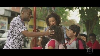 Brau é reconhecido em Madureira - Após afirmar que foi esquecido pelo público, cantor comemora pedido de uma fã