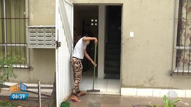 Vazamento em caixa d'água alaga casas do 'Minha Casa Minha Vida' em Feira de Santana - Foram oito mortes apenas em Salvador.