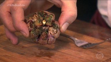 Veja receitas com alho assado - O alho assado não perde as propriedades e tem um gosto mais suave, mais adocicado.