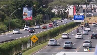 Movimento nas estradas deve ser maior para o feriado prolongado - De acordo com a PRF e com as concessionárias, o movimento deve ser maior a partir da tarde de hoje(27)