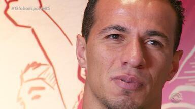 Damião tem desafio histórico e busca o 100º gol com a camisa do Inter - Assista ao vídeo.