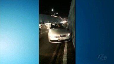 Homem é preso por embriaguez ao volante em Maceió - Segundo a polícia, ele estava sob efeito de lança-perfume. O teste do bafômetro não acusou alcoolemia, mas ele foi autuado com base em vídeos gravados por testemunhas.