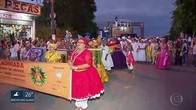 Representantes de religiões de matriz africana fazem caminhada em Goiana, no Grande Recife - Ato teve o objetivo de pedir o fim do preconceito religioso.