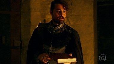Virgílio entrega livro a Levi e Amália - Virgílio amedronta Amália