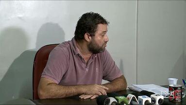 Com salários atrasados, jogadores do Moto não treinam e comissão técnica pede demissão - Marcinho Guerreiro deixa o comando do clube e presidente Natanael Junior fala sobre a crise do Rubro-Negro