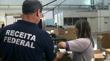 Compras de produtos do exterior estão demorando mais a chegar para os consumidores - A central de entregas dos Correios fica em Curitiba, mas nem sempre é fácil encontrar os produtos